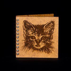 Agenda-10x10-lemn-pisica-agm024